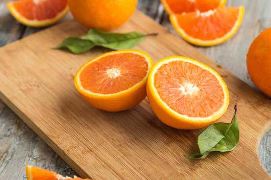 do chickens eat oranges