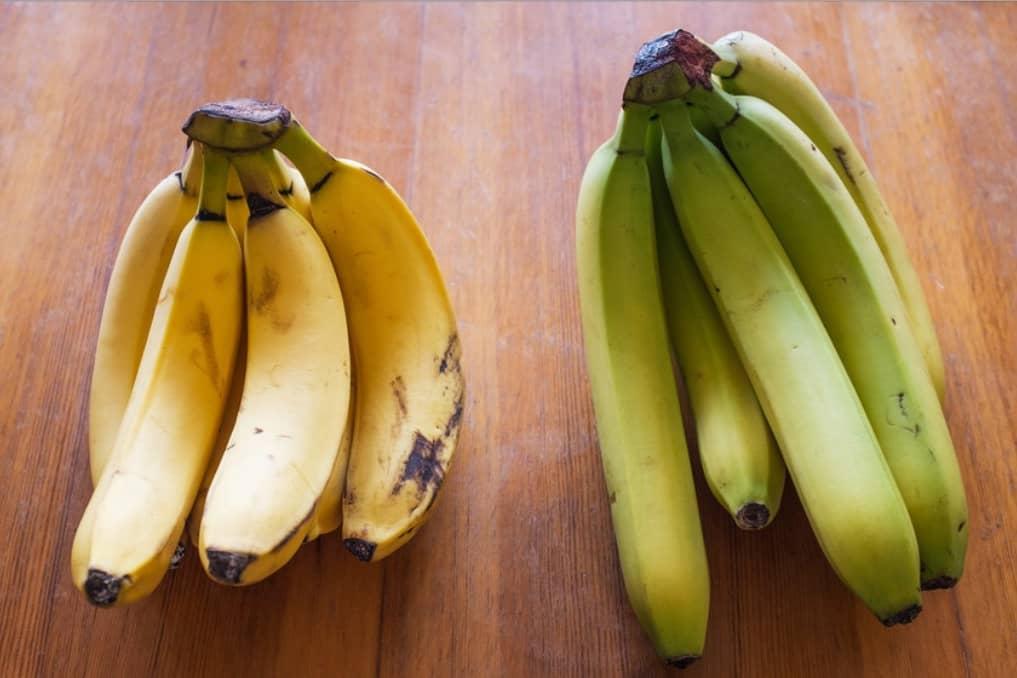 do chickens eat bananas