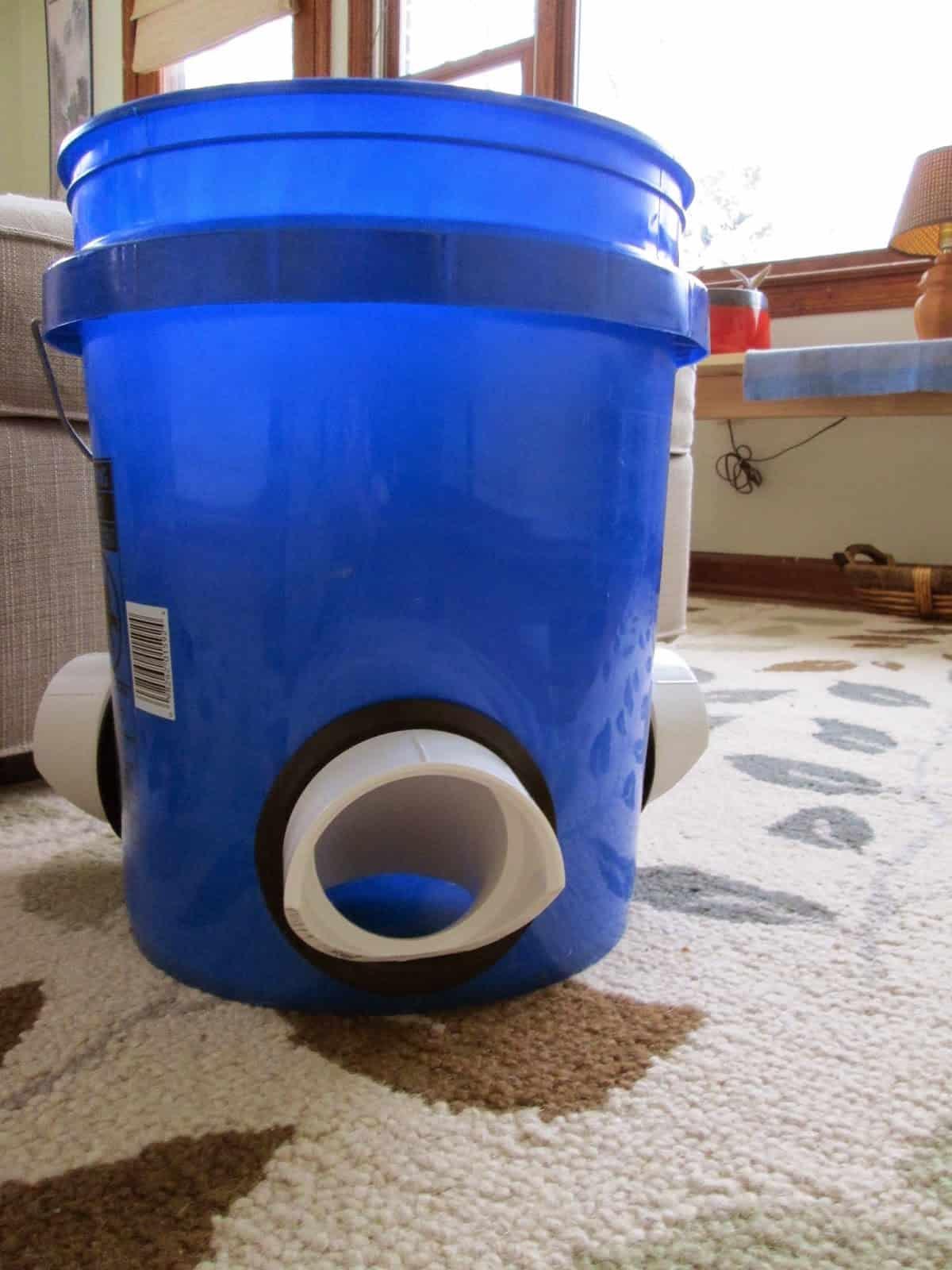 DIY Bucket Feeder